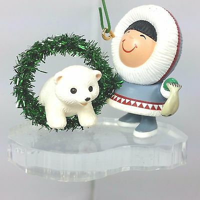 1994 Hallmark Keepsake Ornament Frosty Friends # 15 Polar Bear Eskimo Christmas