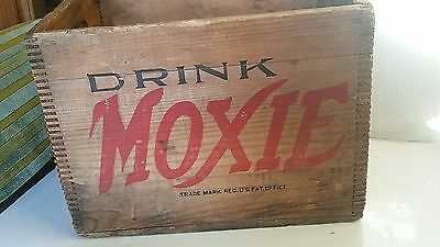 Moxie Wooden Crate 12 bottle Great condition!