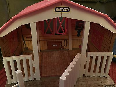 Breyer Horse Stable, Pink with Jump