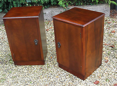 S Uperb Pair Of Art Deco Stylebedside Cabinets/stasnds