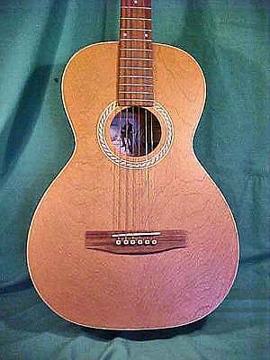 ART & LUTHERIE PARLOR SIZE ACOUSTIC GUITAR MODEL AMI w/ Gigbag