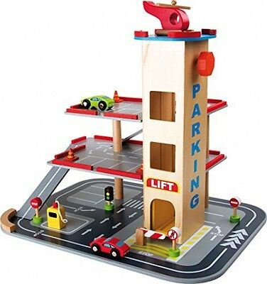 wooden car park garage with lift fun toy cars. Black Bedroom Furniture Sets. Home Design Ideas
