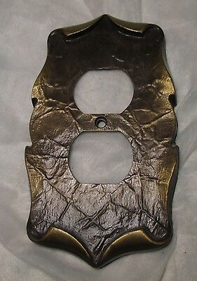 Vintage-Scroll Brass Tone Metal Electric Wall Double Outlet Plate Cover socket