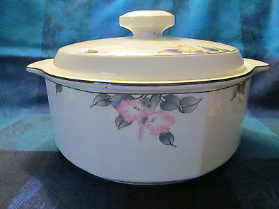 Lovely Royal Doulton Bloomsbury Pattern Covered Casserole - Vgc