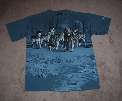 Wolves Vintage T Shirt Gorgeous Graphic Art Adult Size Large