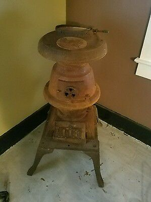 Vintage Cast Iron Pot Belly Stove/cabin