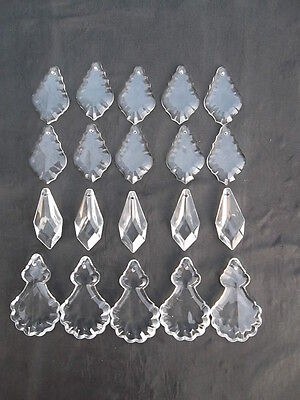 A mixture of 20 pretty glass   chandelier drops(D51224)