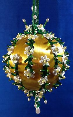 Kit makes 1 DAISY CHAINS Ornament on Satin Ball with Venice Lace