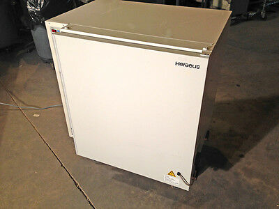 Heraeus Kendro BB 6220 Air-Jacketed CO2 Incubator Oven