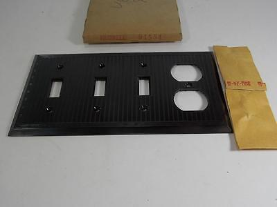 Vintage New Old Stock Hubbell Bakelite Wall Plate 3 Switch 1-Duplex Cover