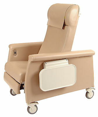 Winco Manufacturing Elite Care Recliner with LiquiCell Taupe Standard