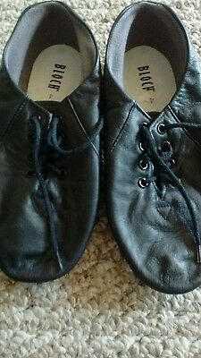 Youth Size 4 Black Leather Dance Shoes by Bloch in EUC!