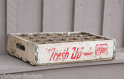 Vntage Wooden Wht 7-Up Soda Pop Bottle Crate Carrier Tool The Uncola 24 Slot Box