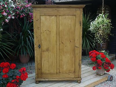 ! Old Antique Pine Victorian Cupboard/child's Wardrobe/linen/food/kitchen Larder