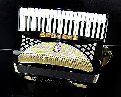 GERMAN TOP PIANO ACCORDION HOHNER LUCIA IIP 80bass,10sw.+LEATHER SHOULDER STRAPS