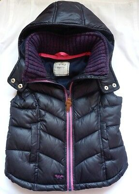Immaculate NEXT Girls Quilted Gilet Navy with Pink Trim, Hooded 5 yrs Worn Once!