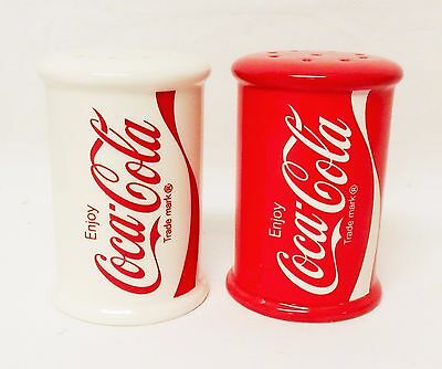 Free shipping – NEW – ceramic salt & pepper Coca-Cola cylinder red and white