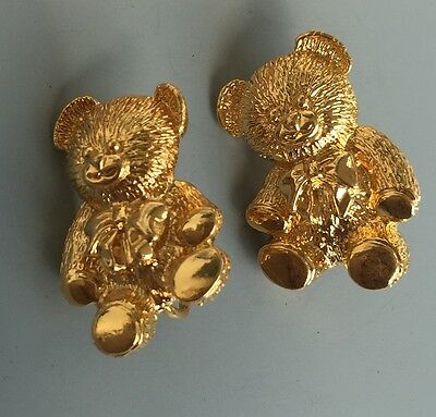 Adorable Vintage Bear Clip On Earrings In Gold Tone Metal