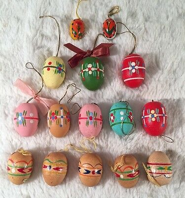 Lot Of 15 Hand Painted Wooden Easter Eggs Tree Ornaments