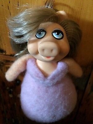Vintage Fisher Price Miss Piggy 867 Muppet doll beany toy