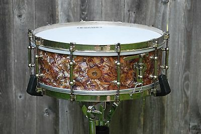 Ludwig 1920s/30s Snare Drum Peacock Pearl (Rainbow Pearl) 5x14