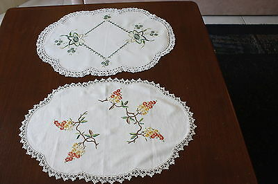 2x Vintage Linen Embroidered & Crocheted DOILIES/CENTERPIECES