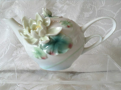Franz Porcelain Beautiful Demi Tasse Waterlily Teapot Perfect Condtion +Boxed