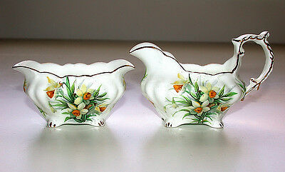 Beautiful Vintage Hammersley England Bone China Creamer & Sugar Bowl Set