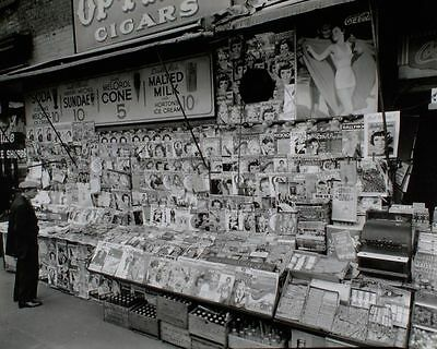 News Stand in Manhattan 32nd St & 3rd Ave 1935 Magazines Newspaper Advertisement