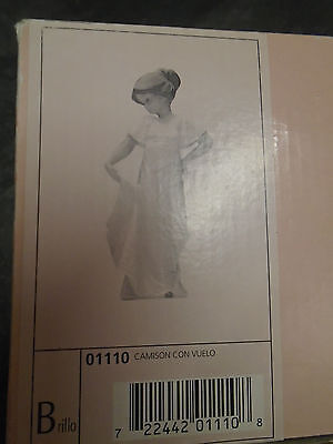 """NAO by Lladro No.01110 Nightgown With Flight Figurine Boxed 9"""" Retired Figure"""