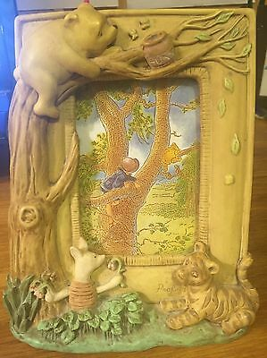 Classic Winnie the Pooh Charpente Picture Frame         DISNEY