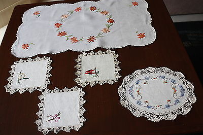 5x Vintage Linen, Embroidered & Crocheted DOILIES