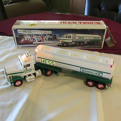 1990 Hess Toy Tanker Truck Horn, Lights and Back Up Alert in Box