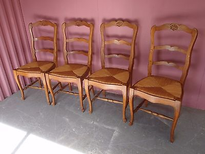 ORIGINAL ANTIQUE 1950s SET 4 CARVED CHERRY RUSH SEATED LADDERBACK DINING CHAIRS