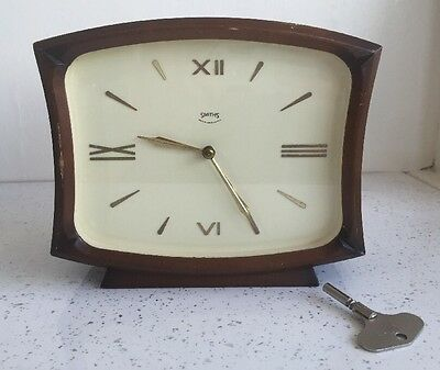 VINTAGE SMITHS STRIKING MANTEL CLOCK With Wind Key Working