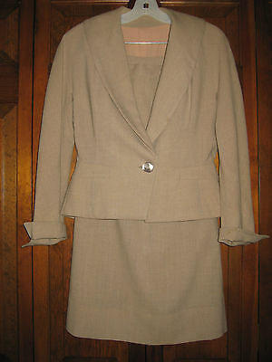 VINTAGE FORSTMANN BEIGE 2 pc. WOOL SUIT – SKIRT & JACKET – Size Small
