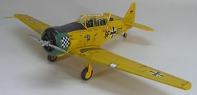 Hobby Master 1:72 Air Power Series HA1502 North American Harvard Mk 4
