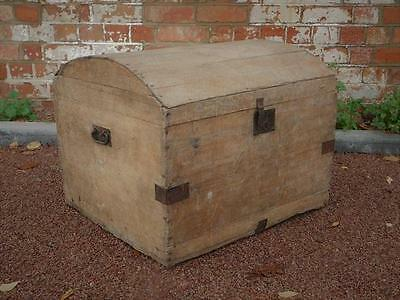 A Good Rustic Country Antique Pine Storage Chest Or Trunk