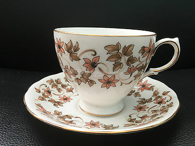 QUEEN ANNE BONE CHINA  TEA CUP AND SAUCER 14 cm