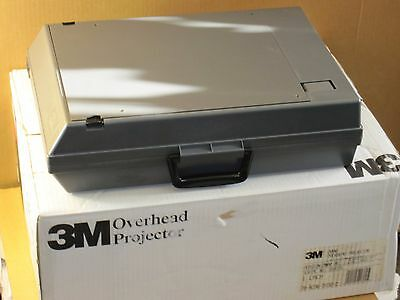 3M 2000-Series Foldable Briefcase Overhead Projector