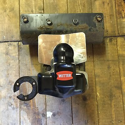 Jeep Commander Witter Tow Bar.