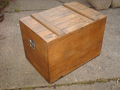 Antique  Rustic  Pine   Blanket  Box / Chest  With Working Lock