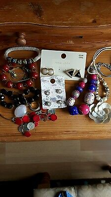 bundle of costume jewellary some new. bracelets, necklaces, earings