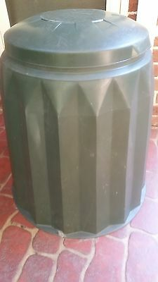 Compost bin. Fro kitchen scraps to beautiful compost for your garden
