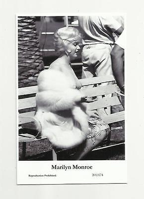 (N71) Sexy Marilyn Monroe Swiftsure (201/674) Photo Postcard Film Star Pin Up