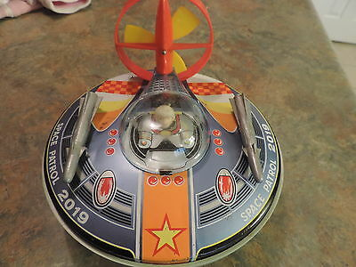 """1960S VINTAGE 8"""" BATTERY OPERATED FLYING SAUCER W/ PILOT Space Patrol 2019"""
