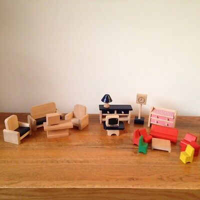 Small job lot of chunky wood dolls house furniture  - 19 pieces