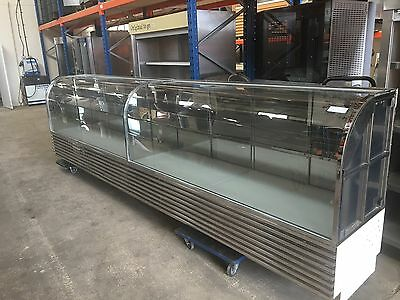 Curved glass fronted shop jewellers boutique display cabinet