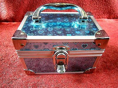 Delightful  Metal  Cosmetic   Make-Up  Case