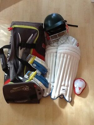 Cricket Gear - Youth (4 items plus Holdall)